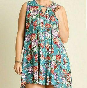 Umgee floral keyhole dress